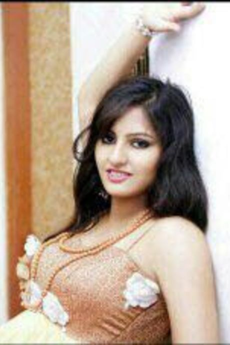riya noida call girls